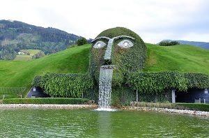 https://pixabay.com/photos/swarovski-giant-giant-head-3852793/