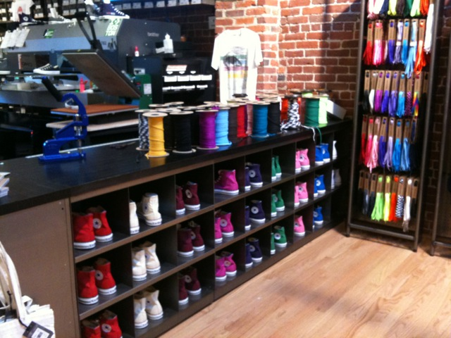 Converse Customization Bar